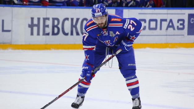 «Держитесь от него подальше»: Американский журналист отговаривает НХЛ подписывать Войнова