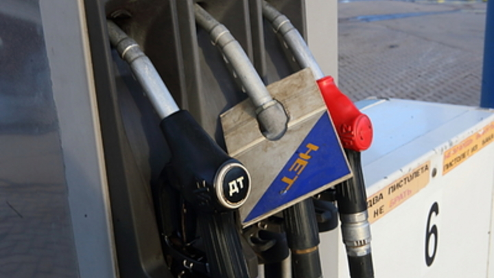Откуда Росстат взял такие данные? Ни одного фактора нет: Аналитик изумился росту спроса на бензин в России