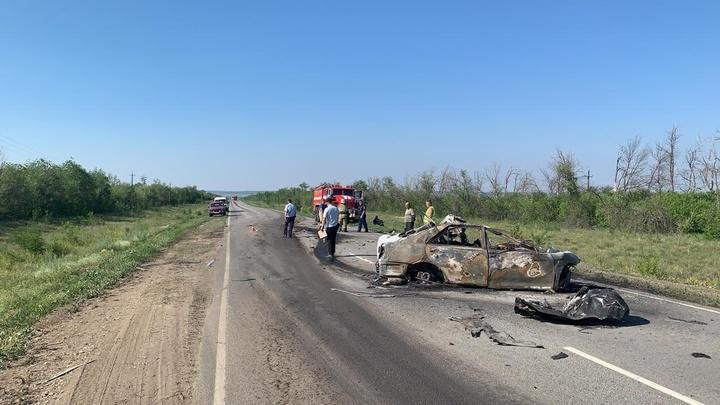 В Самарской области 22 июня в ДТП погибло три человека: сгорели в машине