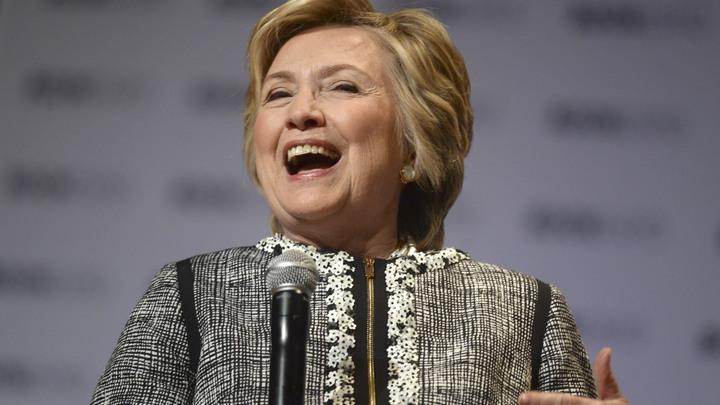 Во всем виноват Билл: Клинтон назвала личную вендетту причиной своего провала на выборах