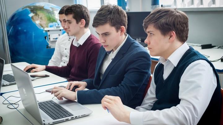 Билеты вместо тестов? В России приближается очередной период сдачи ЕГЭ
