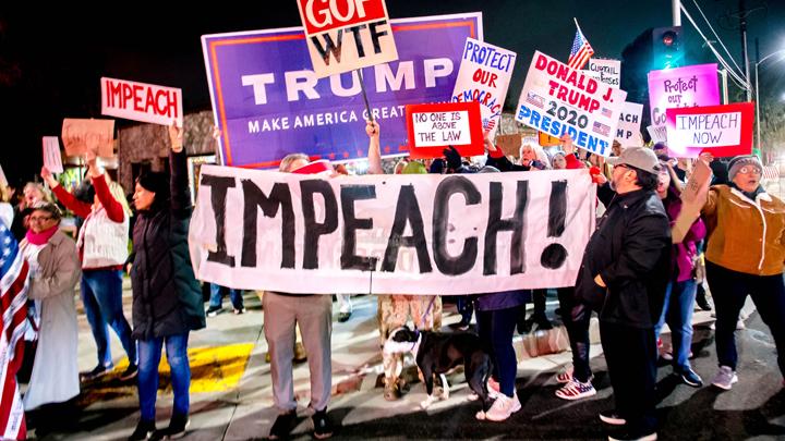 Трамп схлопотал импичмент и страшно доволен
