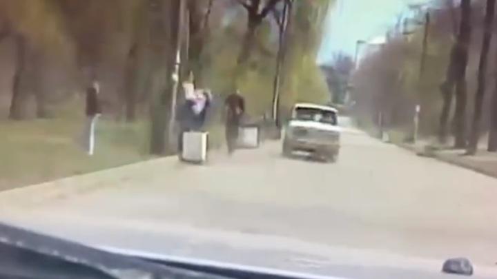 Погоня инспекторов ДПС за безумной шестеркой в Таганроге попала на видео