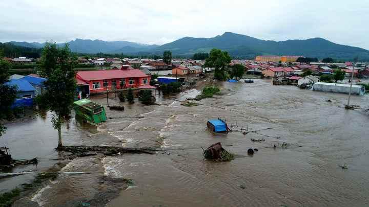 Полмиллиона китайцев пострадали от ливней и наводнения