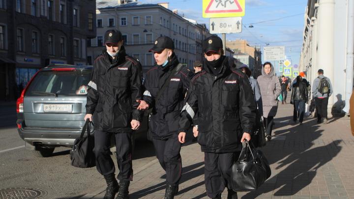 В Петербурге лжеминеры «заложили» взрывчатку в школы, районные администрации и отделения партии