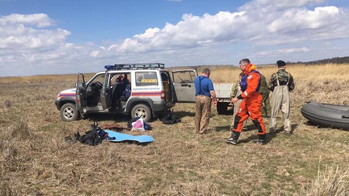 Нашли перевернутую лодку: в Челябинской области третий день идут поиски рыбаков