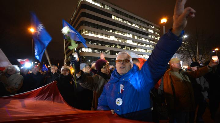 В Польше объяснили, зачем хотят напомнить Украине о бандеровских героях, убивавших мирных поляков