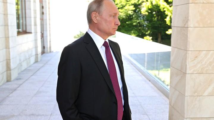 Путин утвердил кандидатуры в новом кабмине Медведева