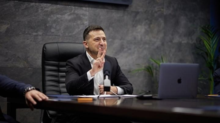 Зеленский остановился в шаге от шантажа со вступлением Украины в НАТО. От намёка не удержался