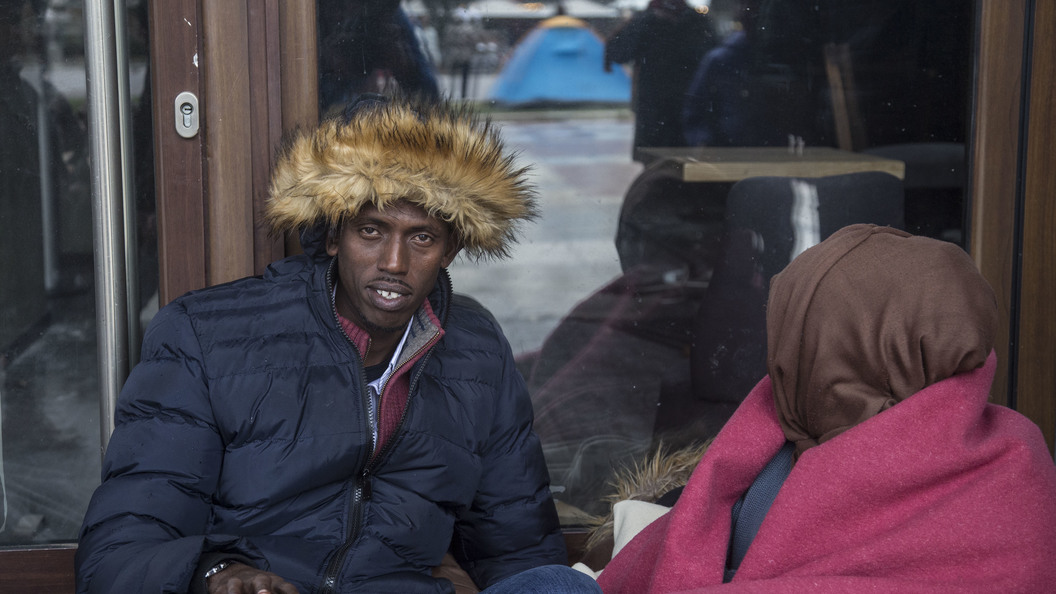 Никакой толерантности и«звонков другу»: ВАвстрии умигрантов отнимут телефоны