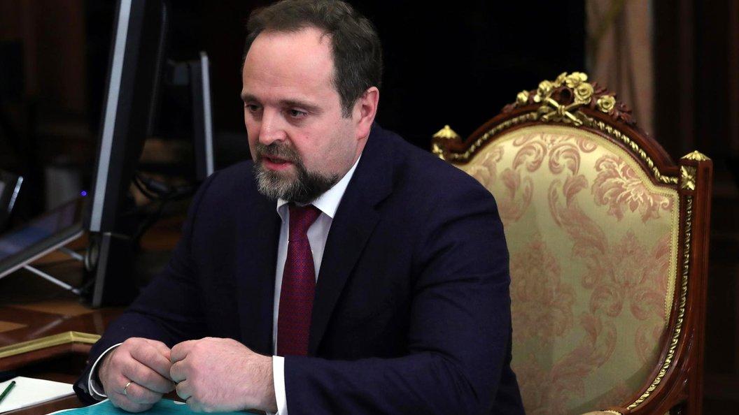 Глава Минприроды вилами разгребал мусор под Владимиром