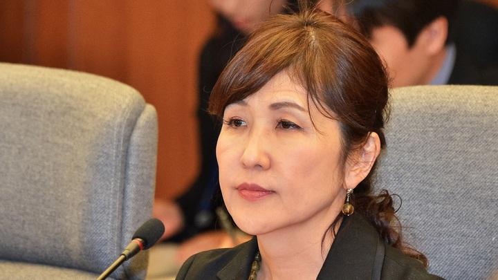Министр обороны Японии публично извинилась за незаконную агитацию