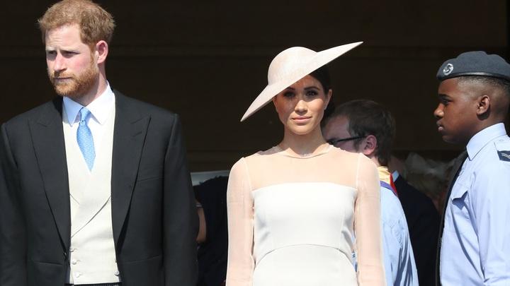Терпеть её не могу: Британцы определились с виновницей раскола в королевской семье
