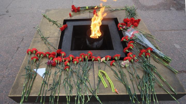 Потушившие Вечный огонь в Петербурге попали на видео: Вину возложили на детей
