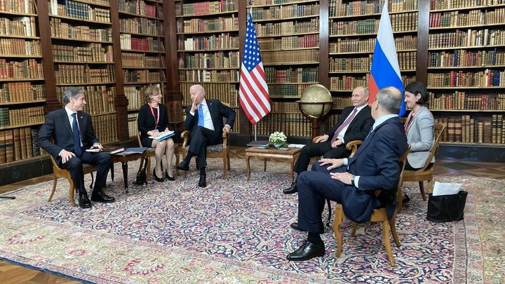 В Кремле рассказали, что Путин подарил Байдену