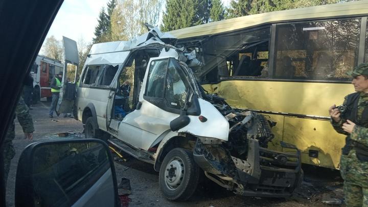 Внезапный крен - и лоб в лоб: Водитель попутки заснял момент ДТП под Тверью