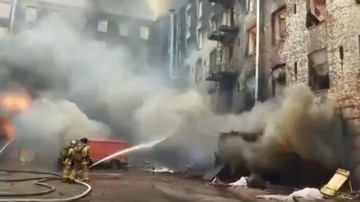 Врачи рассказали о состоянии пострадавших в «Невской мануфактуре» пожарных
