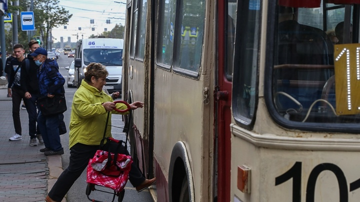 Энергетики изменили планы обесточить за долги троллейбусы и трамваи в Екатеринбурге