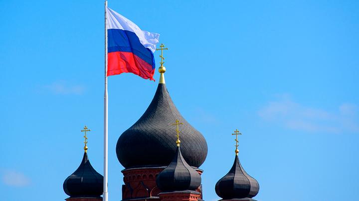 Россию подминает под себя сетевой террор с улыбкой и «обнимашками»