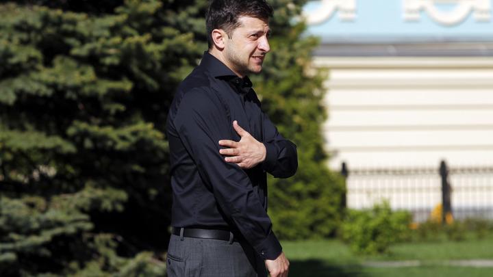 Не Порошенко: Зеленский выразил соболезнования жертвам катастрофы в Шереметьево