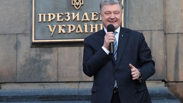 С вещами – на выход: Порошенко съехал из администрации президента