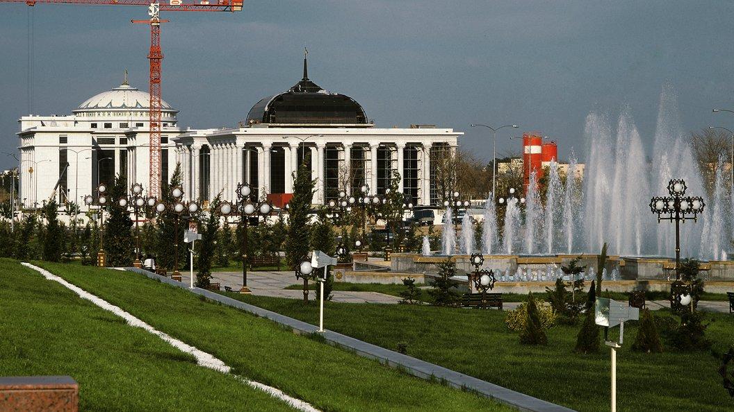 Президент Туркменистана помиловал неменее  тысячи осужденных жителей