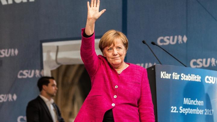 Меркель уличили в самовольном открытии границ Германии для мигрантов