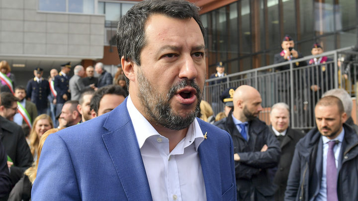 Итальянцам вернули маму и папу: Власти покончили с толерантными родителем-1 и родителем-2