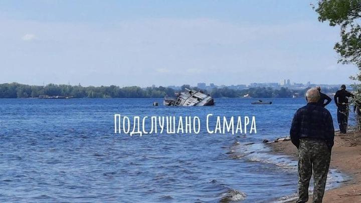 Около Самары начали поднимать затонувший теплоход Барракуда