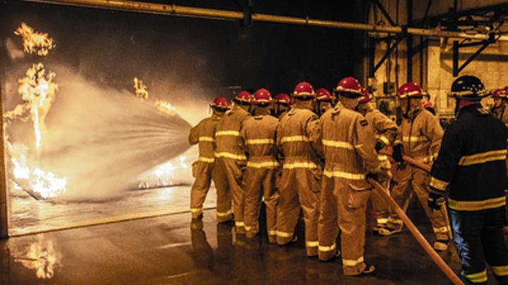 В Самаре потушили пожар у ТЦ «Амбар»