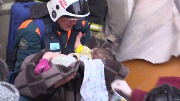 Как орлица над орлёнком: мама чудом спасенного в Магнитогорске Вани не отходит от малыша в больнице