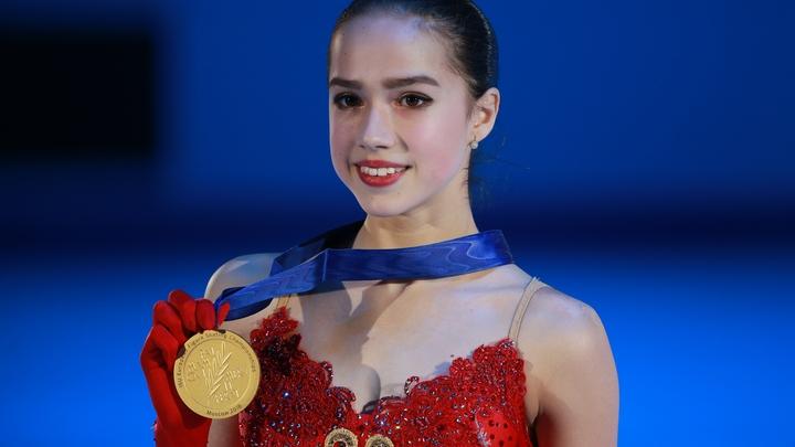 Загитова обошла Медведеву в финале чемпионата мира в Японии и не пожалела для нее объятий - видео