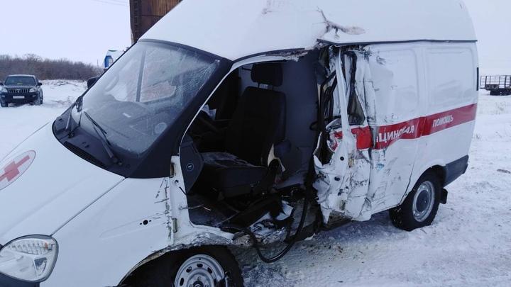 В Челябинской области в аварии со скорой помощью погибла женщина