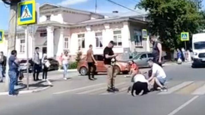 В Челябинской области свадебная машина сбила двух школьниц