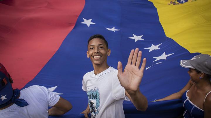 100 литров бензина - дешевле чашки кофе: Гражданин России рассказал о ценах на топливо в Венесуэле