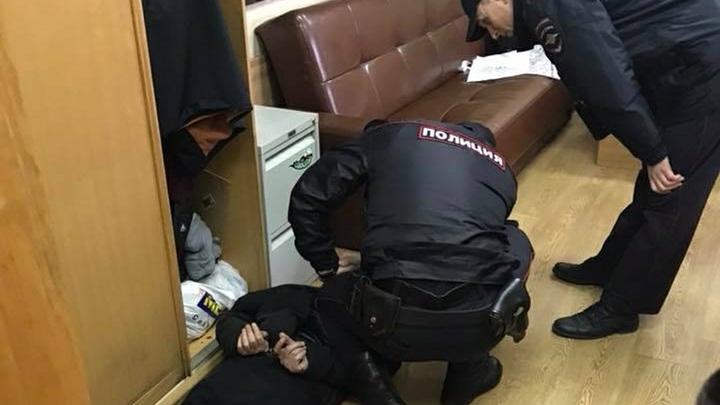Либеральная истерия распространяется: Главред Новой газеты пообещал вооружить коллег