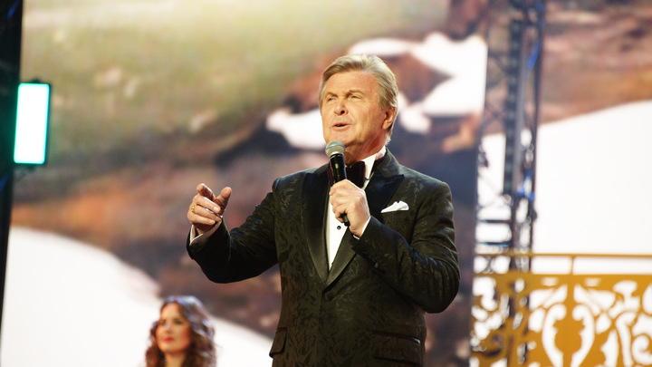 Непристойно: Лещенко призвал посмотреть на Ротару без политики