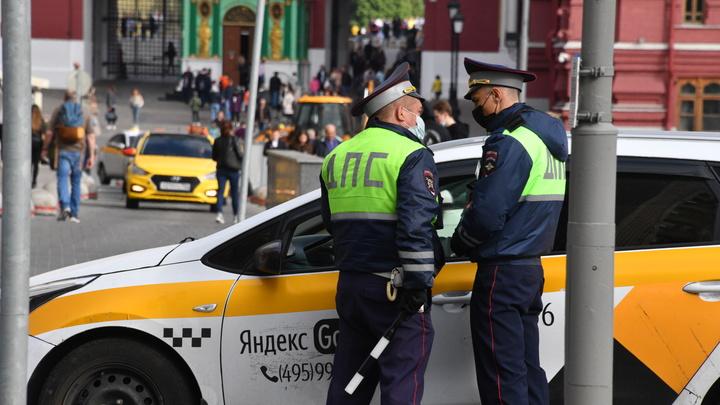 В Сочи водитель, который не пропустил скорую, остался без прав