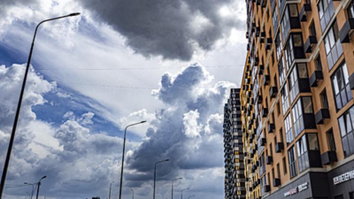 А потом проявится холодный фронт: Москвичей ждёт лето 1990-х