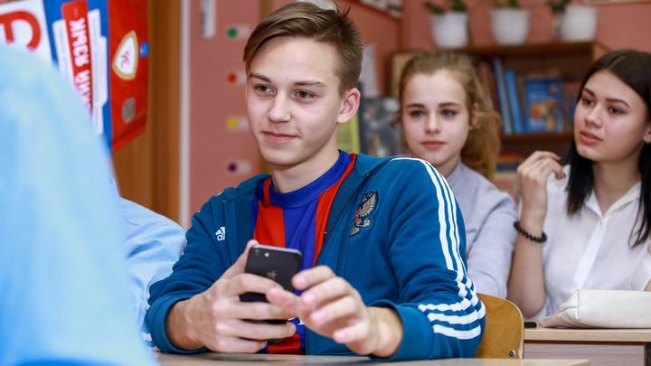 Школьникам впервые дадут сдать ЕГЭ в другом регионе. Исключение сделали лишь для одного субъекта