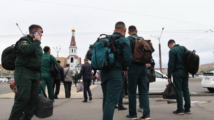 В Читу вернулись забайкальские спасатели, тушившие лес в Тюменской области