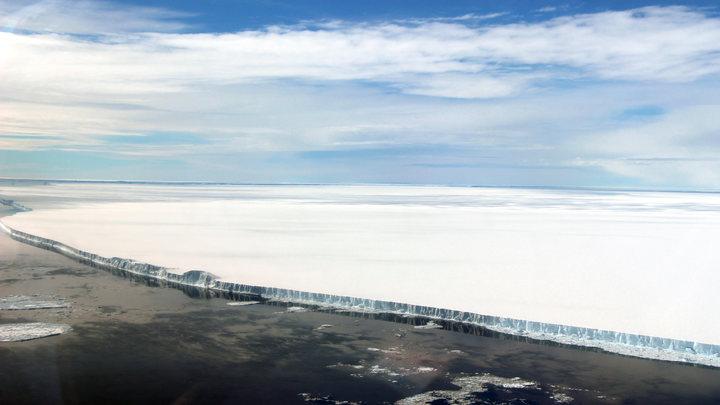 Ученые обнаружили тепловые трещины в Антарктиде