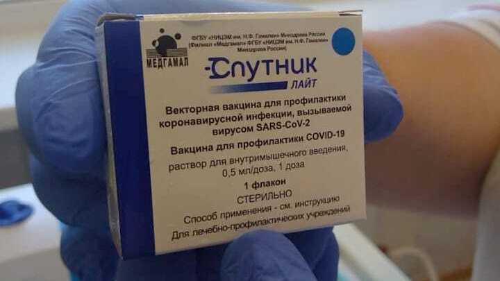 Коронавирус в Санкт-Петербурге на 30 июля: умершие после прививки и открытие фуд-кортов