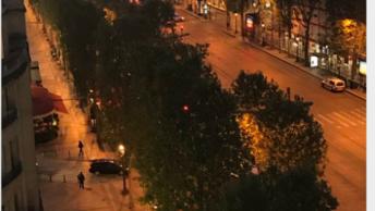 Расстрел полицейских в центре Парижа назвали возможным террористическим актом