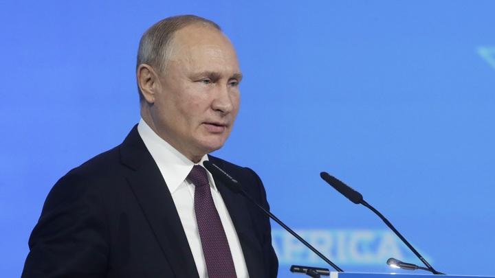 Россия потеряет сотни миллиардов долларов: Путин о последствиях дефицита кадров в 2030 году