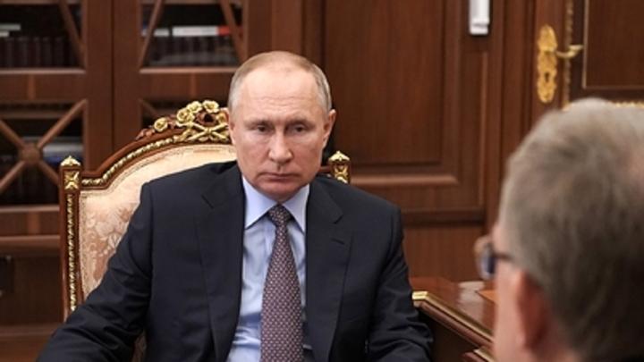 Политолог назвал фамилию фронтмена на место Путина. Байдену уже посоветовали с ним работать
