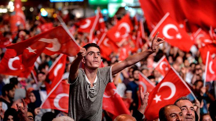 Рисуют новые политические карты. Турция разинула рот на Донбасс, Кавказ и Поволжье