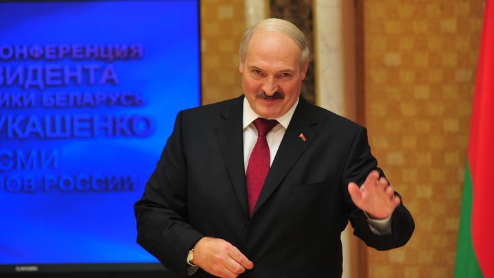 Лукашенко: В Москву, как Янукович, не побегу – денег нет