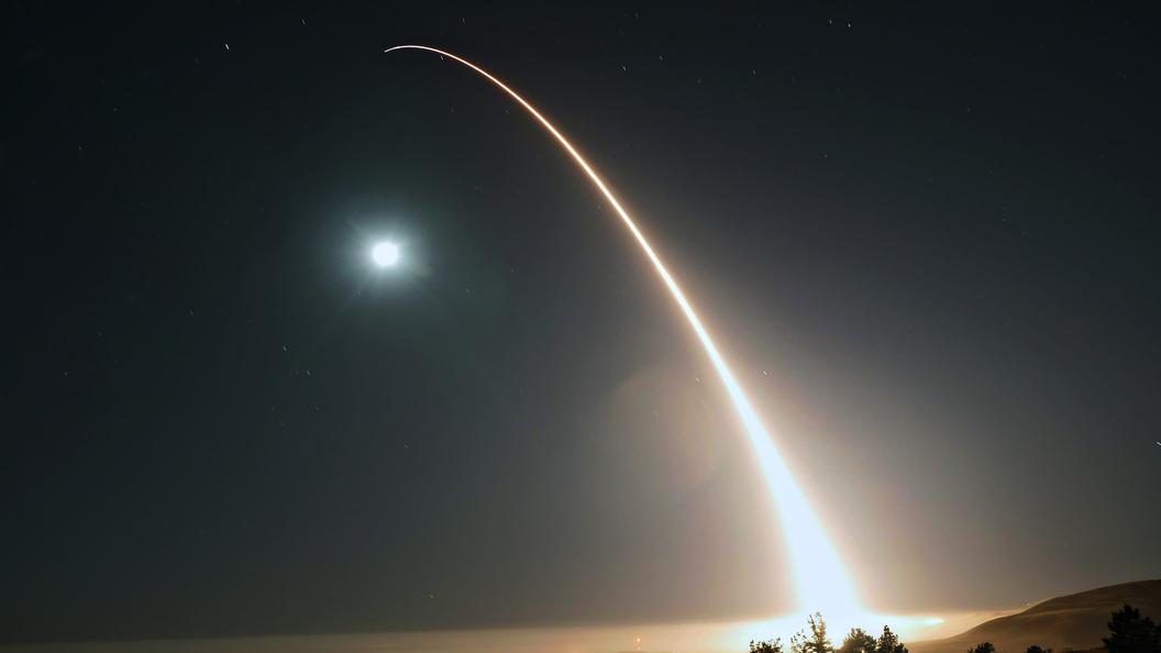 США провели тестирования  межконтинентальной ракеты времен холодной войны