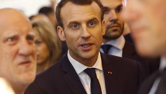 Бойкот России - пощечина Франции: Макрон попал под шквал критики за-за игнор русских на книжном салоне